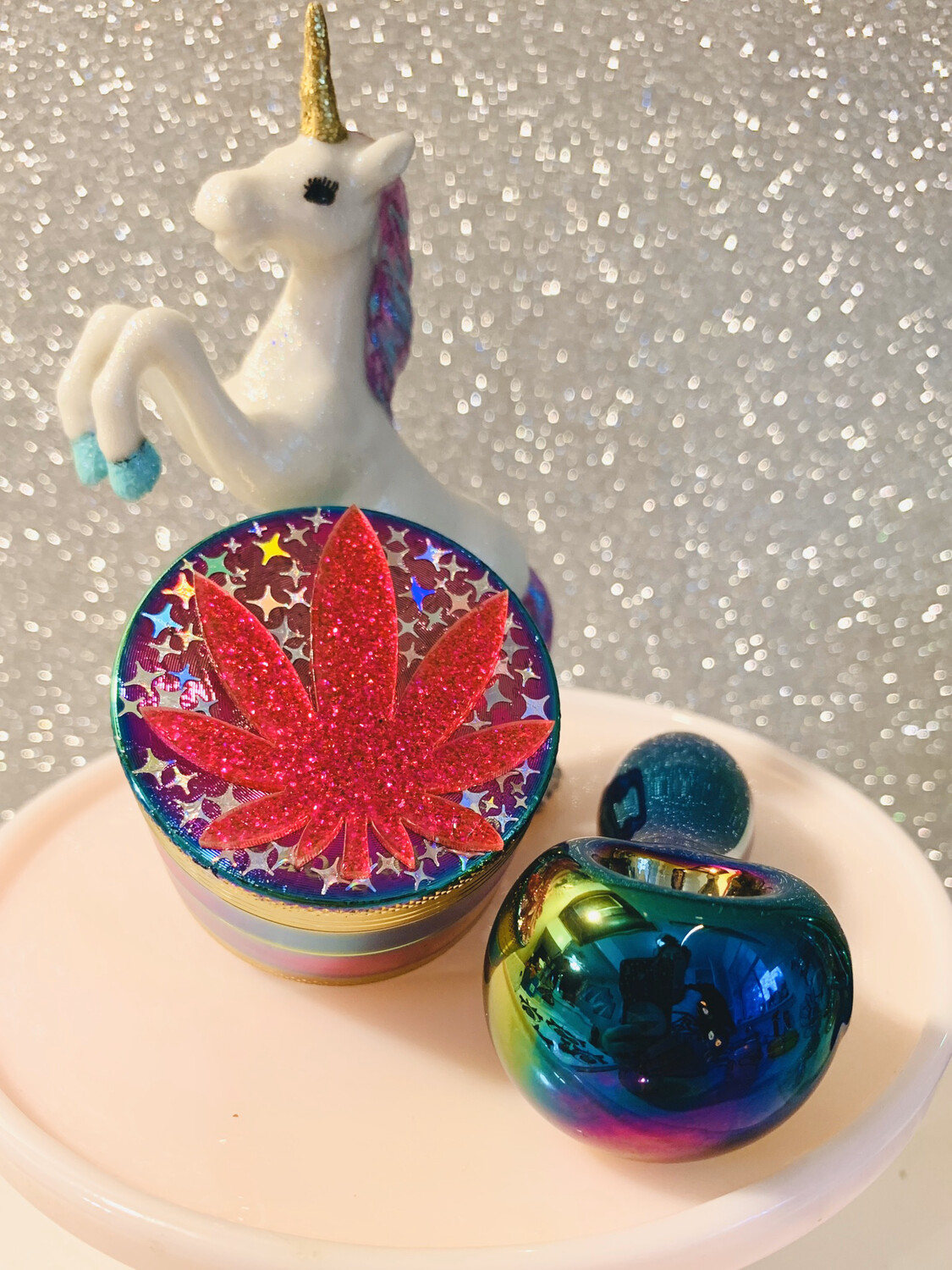 Electroplated Rainbow Grinder With Holographic Stars And Leaf Charm