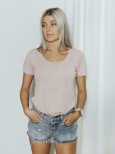 BASIC By PRIV Chaser Henley Short Sleeve In Rose Mint