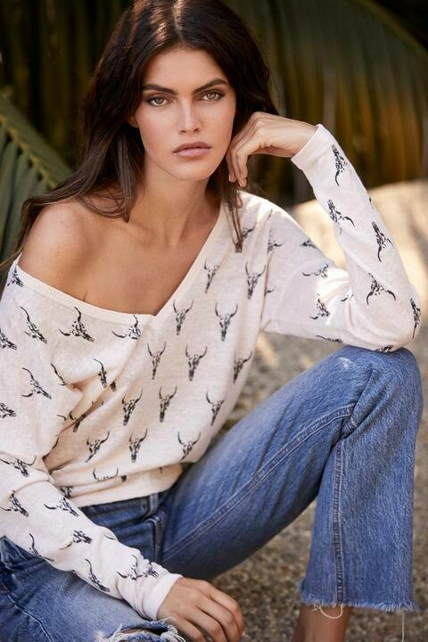 360 Sweater Amarata Top in Almond and Charcoal
