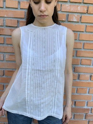 Vintage Off Shoulders Embroidery Blouse in White
