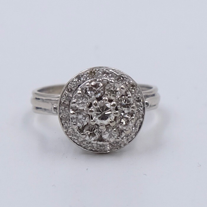 Vintage White 14K White Gold Diamonds Ring