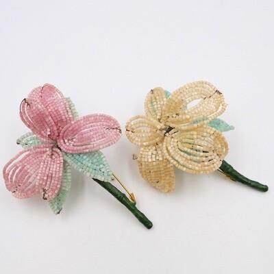 Парные броши из стекляруса пудровый и розовый цветы
