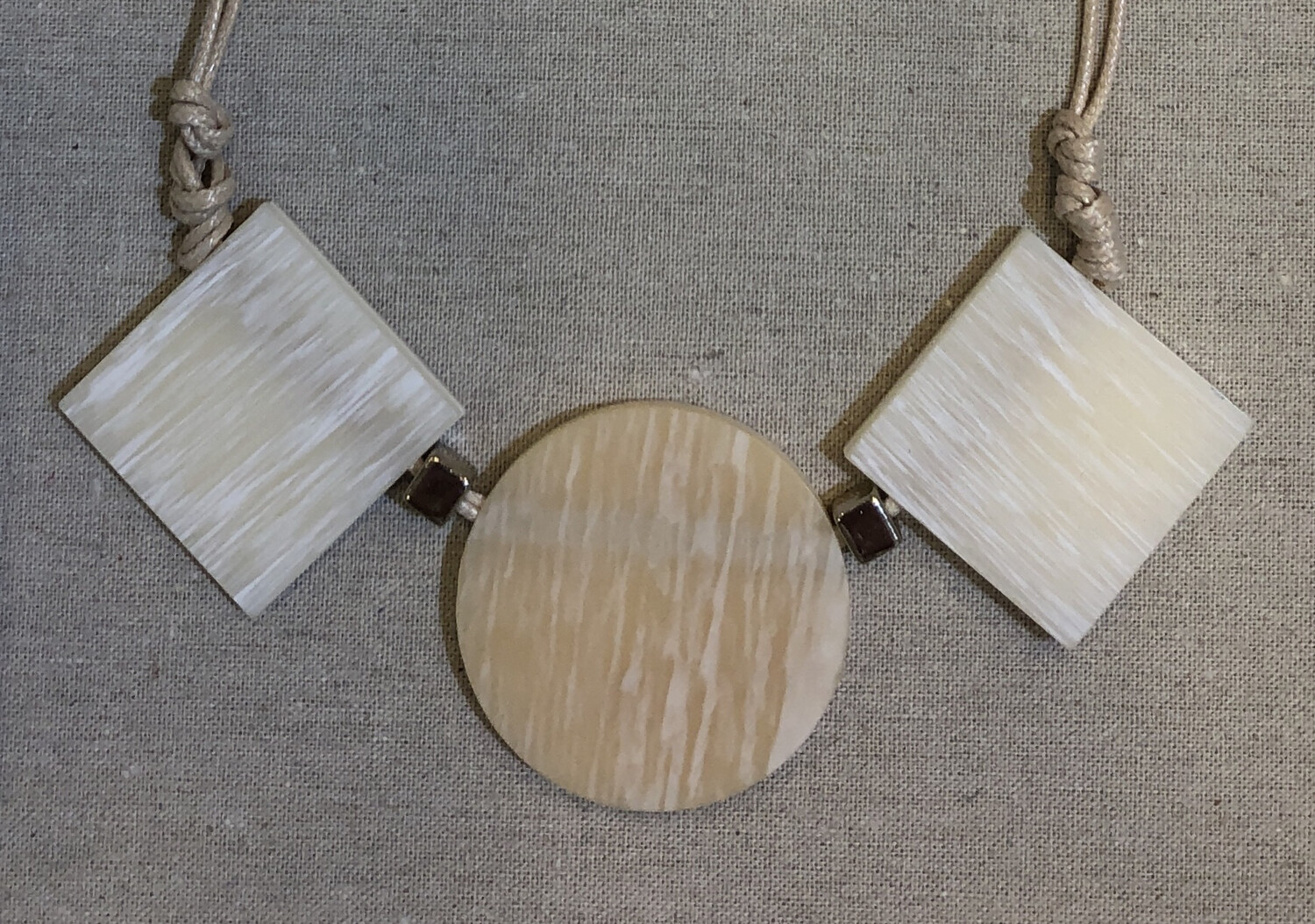 Beige Adjustable Cord Blocks Circle Necklace