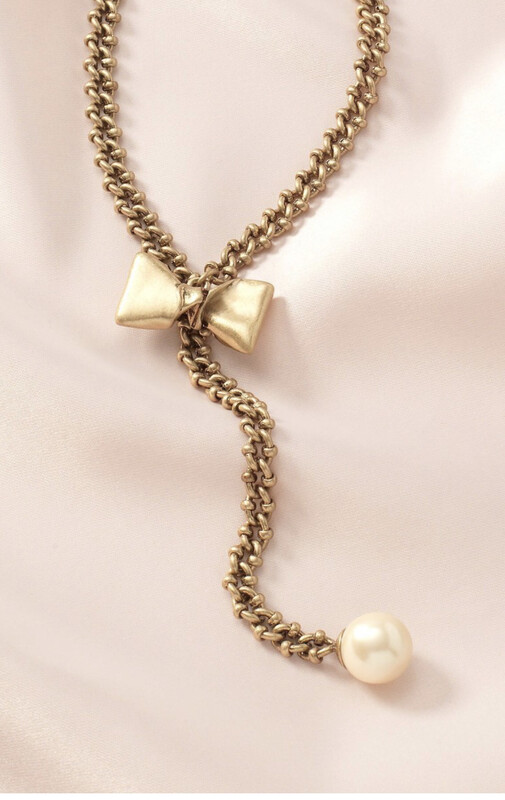 The Lady Bow Lo Necklace