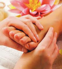 LA DIGUE: Massage / Fußreflexzonenmassage 45 Minuten, The Body Bliss, PREIS: 30€, Anzahlung;