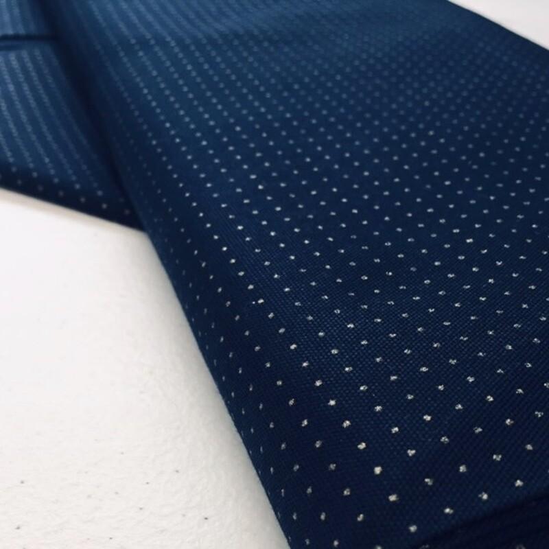 Sashiko Stencilled Dotty Cotton w.110cm Navy /10cm increments