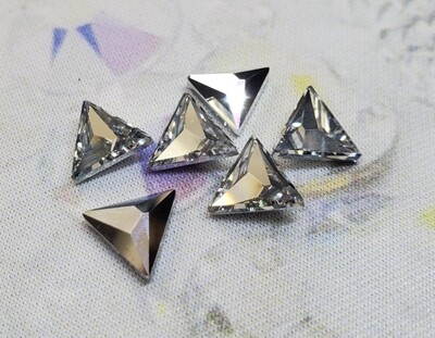 #2721 Swarovski CAL Asymmetrical Triangle (6 pcs)