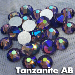 Tanzanite AB - KiraKira Glass Rhinestones by CrystalNinja
