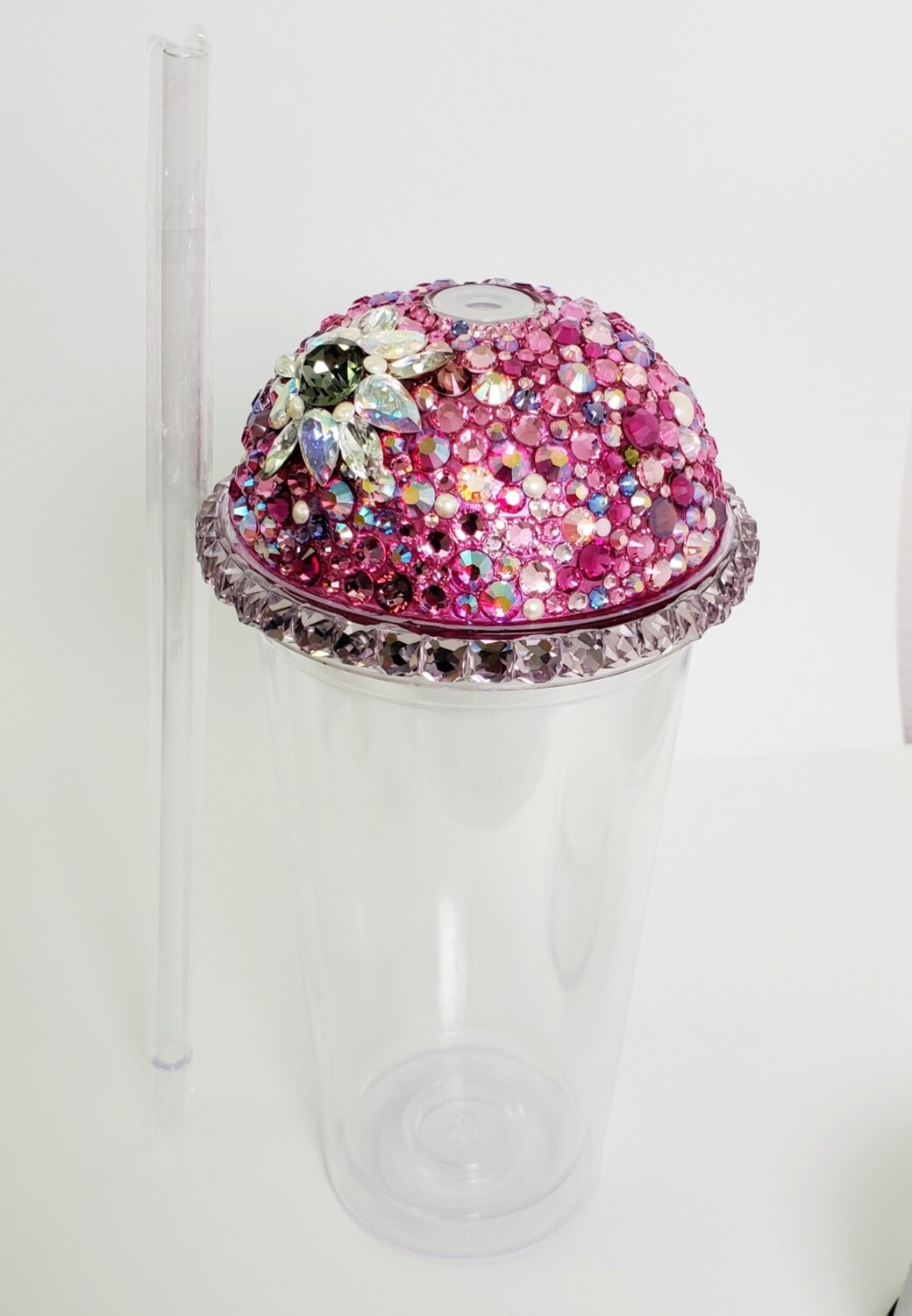 20oz Swarovski Crystal, Dome Lid, with CLEAR Cup and Straw. Flower-Pinks