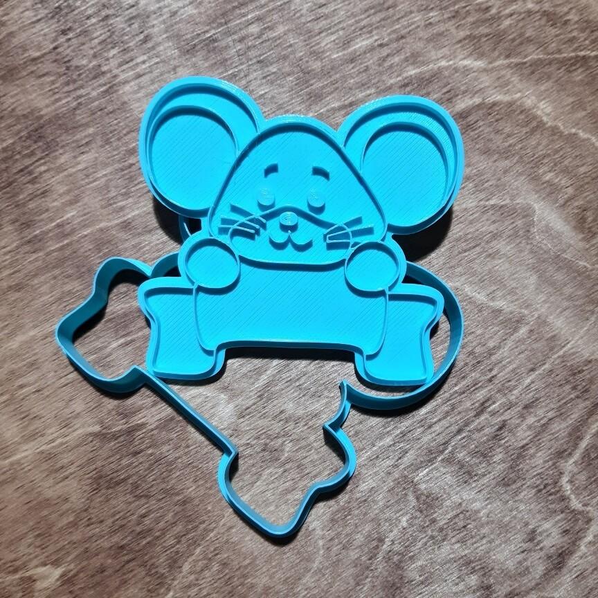 Мышка с табличкой 2020 (11х11 см ) со штампом