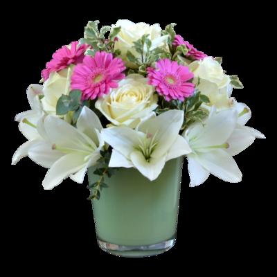 Biele ruže s bielou ľaliou v kytici