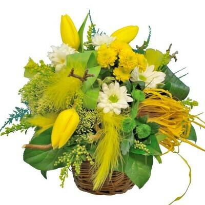 Jarný kvetinový košík