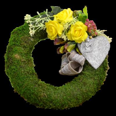 Machový veniec so žltými ružami