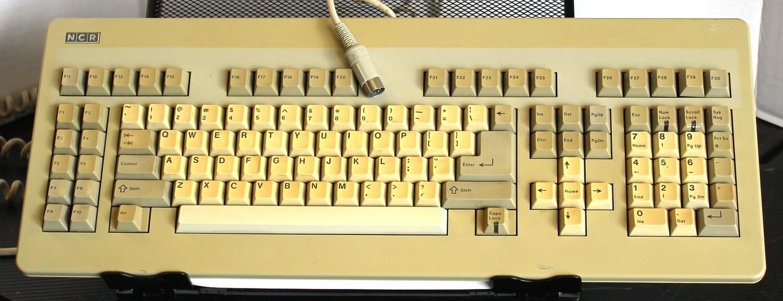 NCR 008-0072934 Keyboard