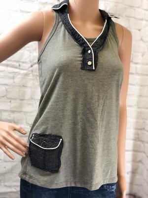 Razorback Gray Top W Checkered Collar & Pocket