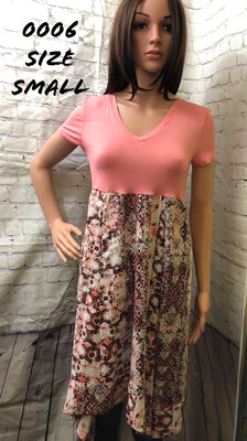 Coral Short Sleeve Floral Dress Size Small