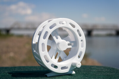 Trout - Plastic reel fly fishing casting