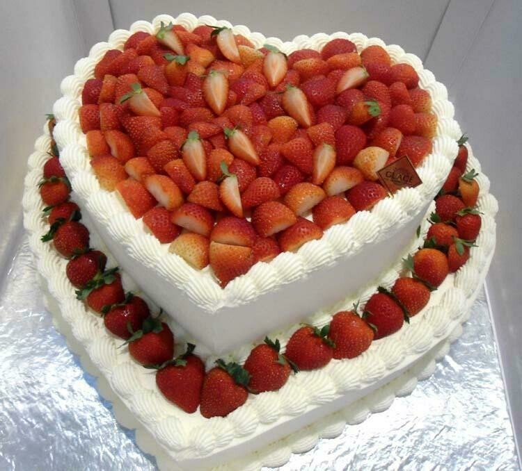 2-Tier Wedding Strawberry Heart