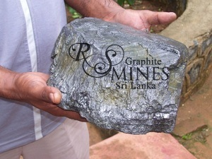Natural Crystalline Vein Graphite 99%+, chip&lump, 25 grams, Research Sample