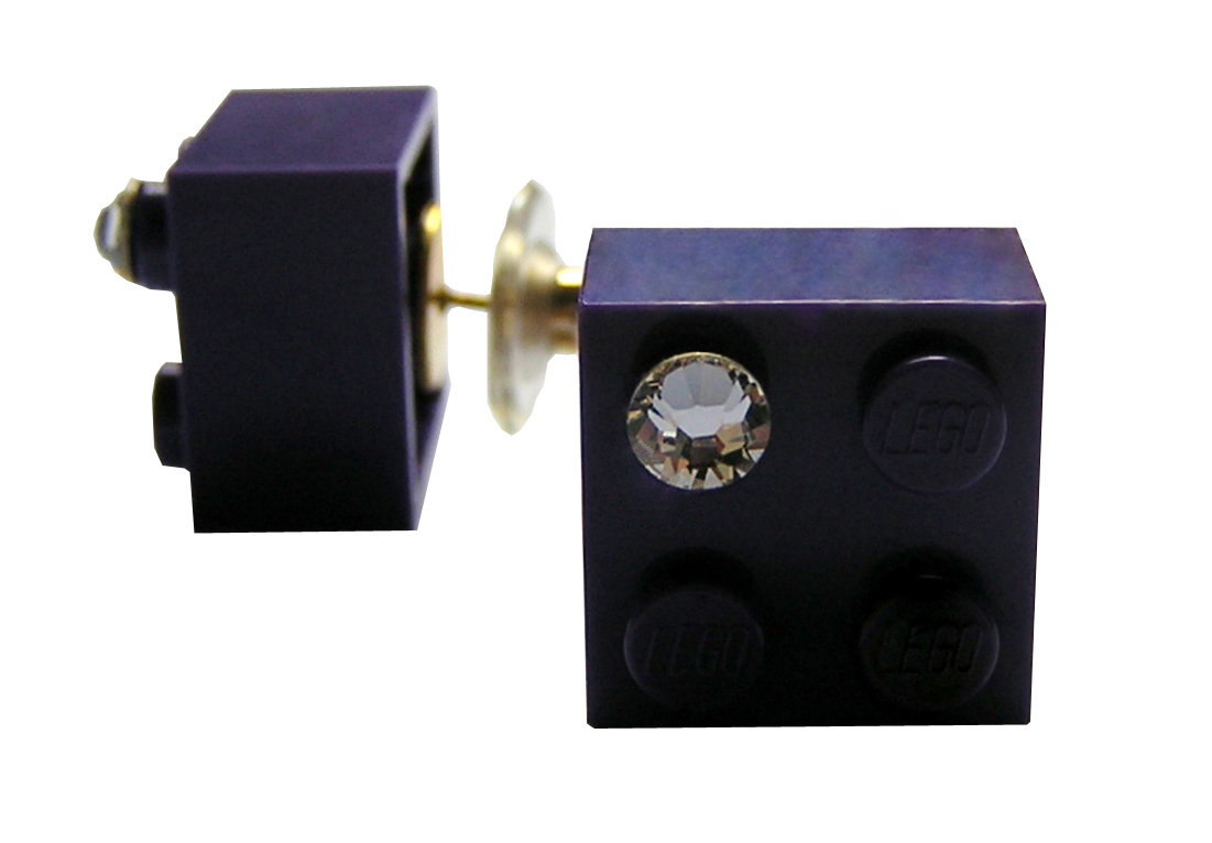 ​Purple LEGO® brick 2x2 with a 'Diamond' color SWAROVSKI® crystal on a Gold plated stud/silicone back stopper