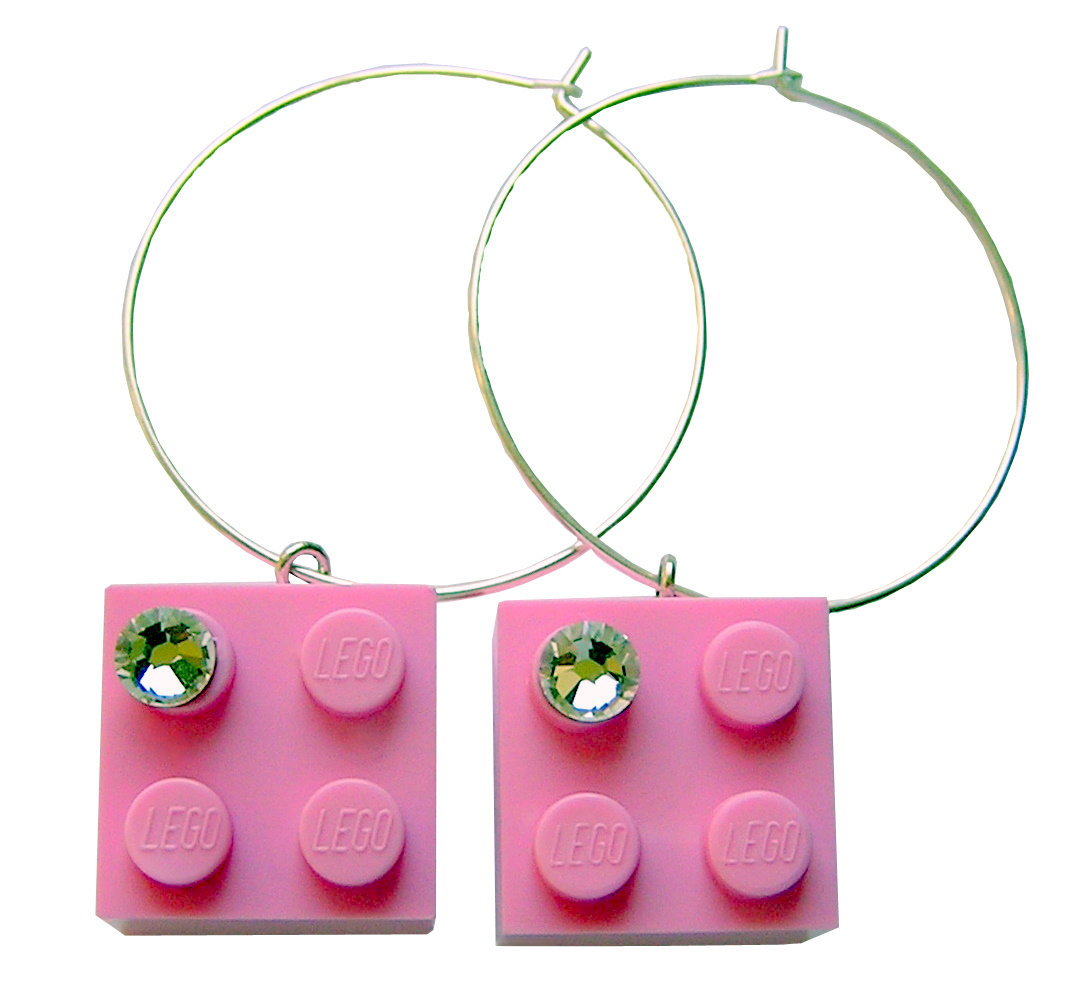Light Pink LEGO® brick 2x2 with a 'Diamond' color SWAROVSKI® crystal on a Silver plated hoop