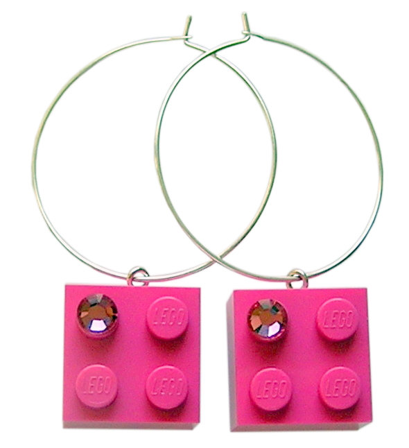 Dark Pink LEGO® brick 2x2 with a Pink SWAROVSKI® crystal on a Silver plated hoop