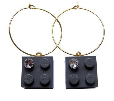 Gray LEGO® brick 2x2 with a 'Diamond' color SWAROVSKI® crystal on a Gold plated hoop