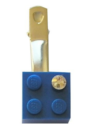 Dark Blue LEGO® brick 2x2 with a 'Diamond' color SWAROVSKI® crystal on a Silver plated hair clip (one piece)​