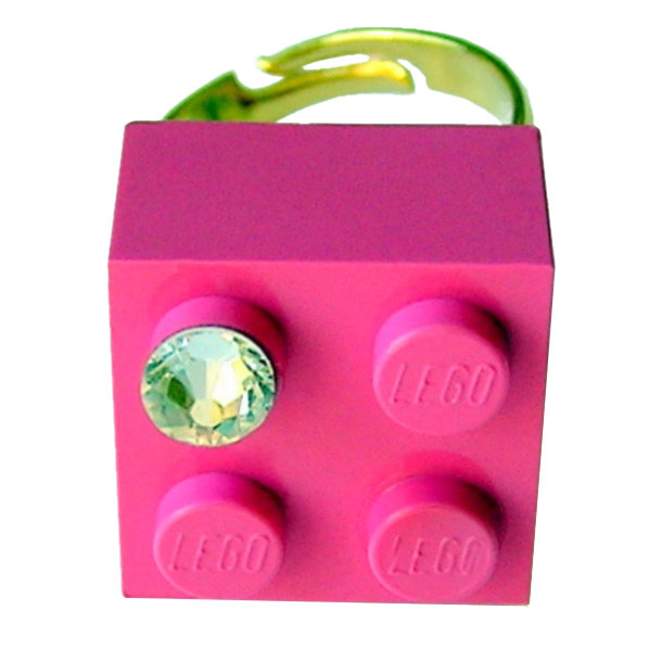 ​Dark Pink LEGO® brick 2x2 with a 'Diamond' color SWAROVSKI® crystal on a Gold plated adjustable ring finding