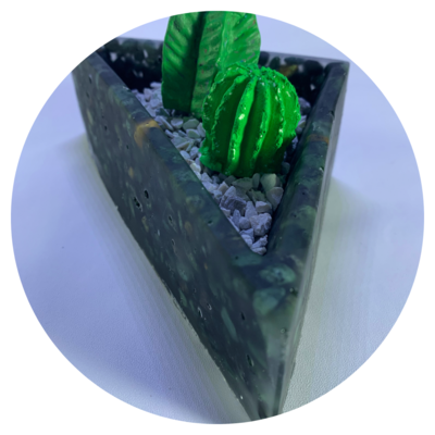 Triangular Resin Planter - 1 Large