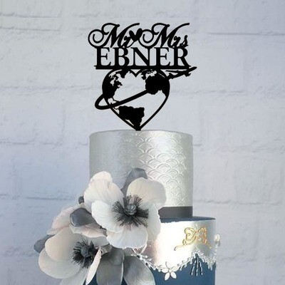 Travel world map Wedding cake topper with name, world map cake topper