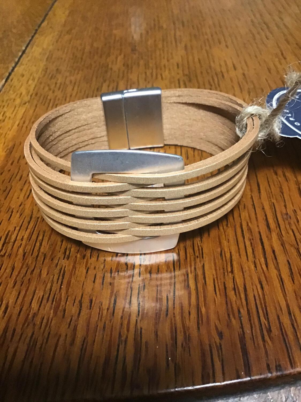 Caramel Magnetic Clip Bracelet With Silver Detail