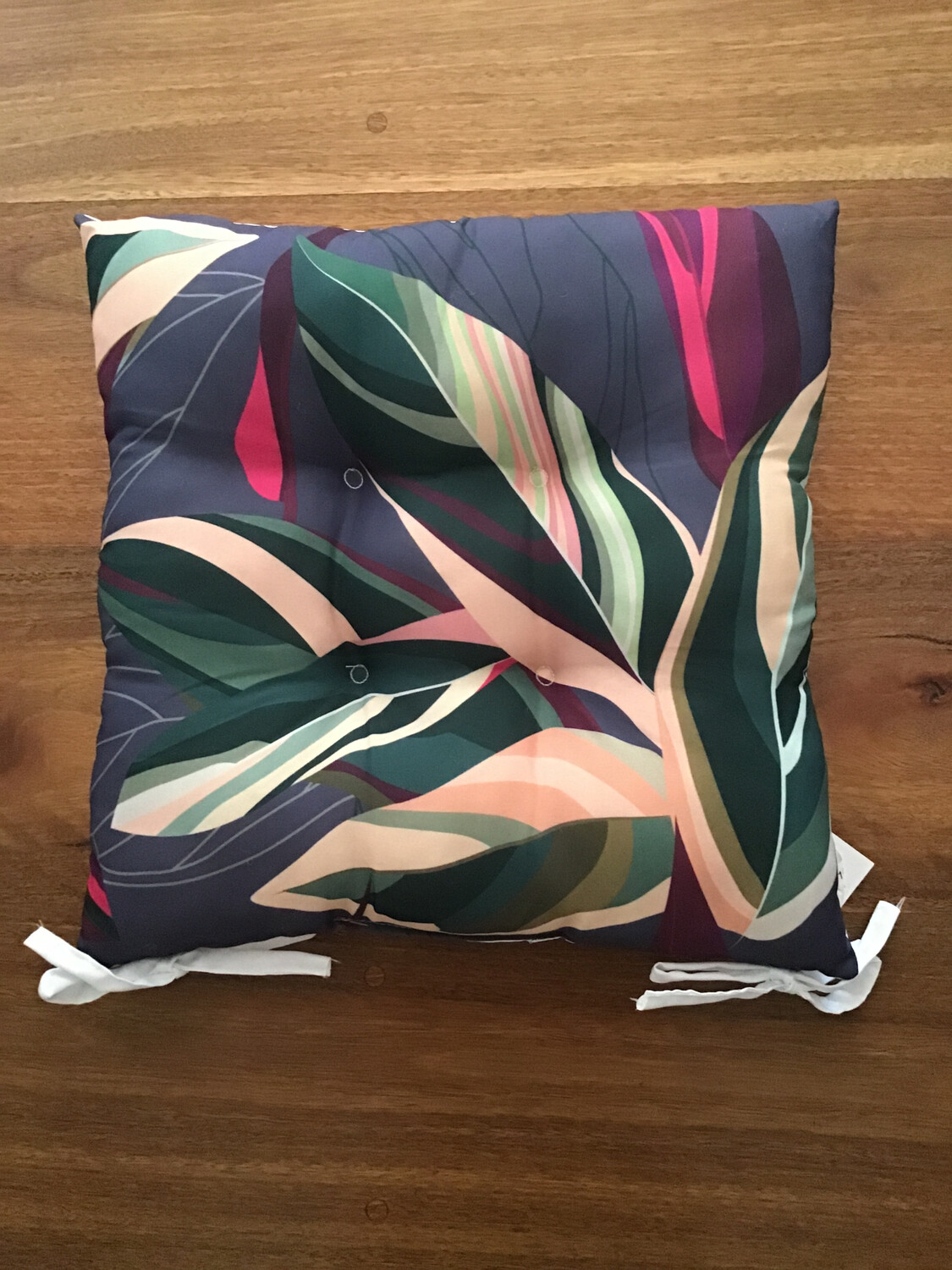Outdoor Chair Pad Fuchsia and Green Leaves B CU596