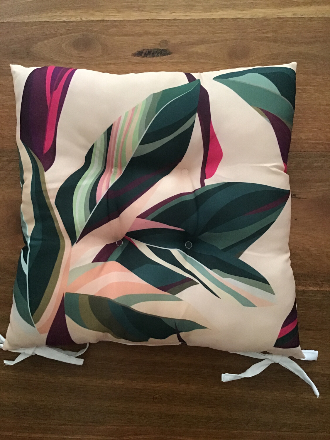 Outdoor Chair Pad Fuchsia and Green Leaves A CU595