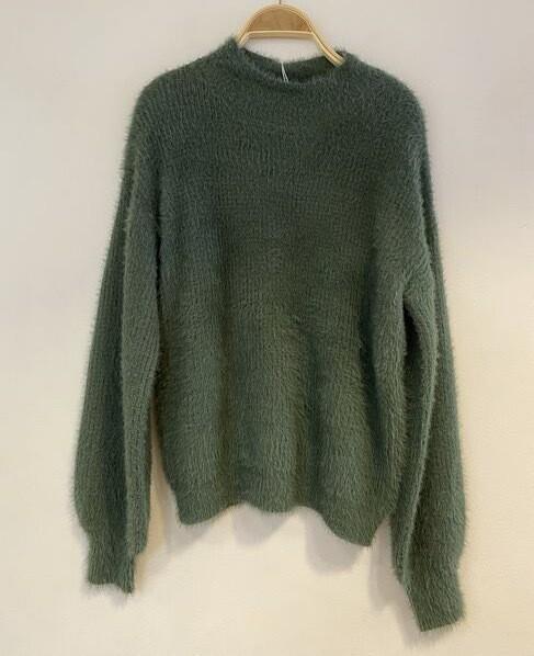 Soft Fluffy Knit Jumper B5445