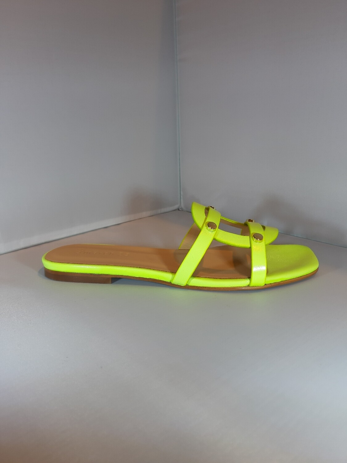 March 23 | Fluo yellow leather