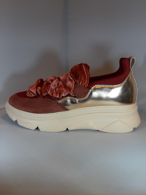 181 | Sneakers roest met koorden
