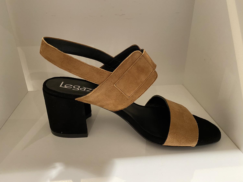 Le Gazelle / sandaal cognac met zwart