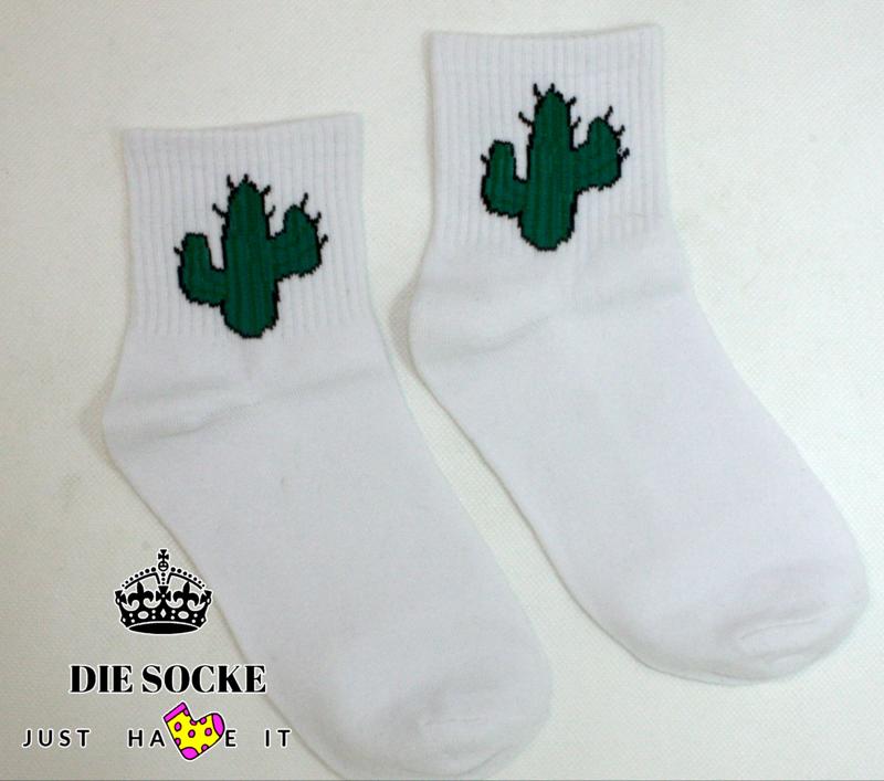 Kreative Socken mit coole Print Kaktus