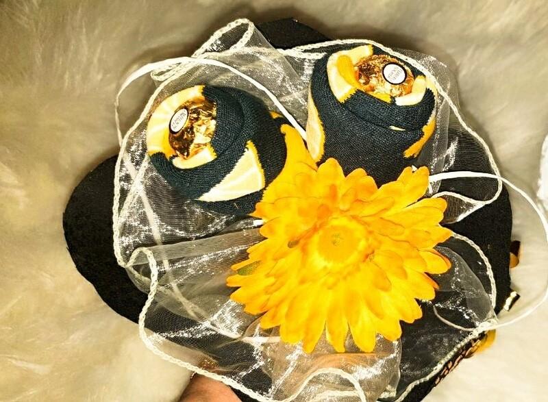 Blumenstrauß aus Lange Socken mit Citronen Socken