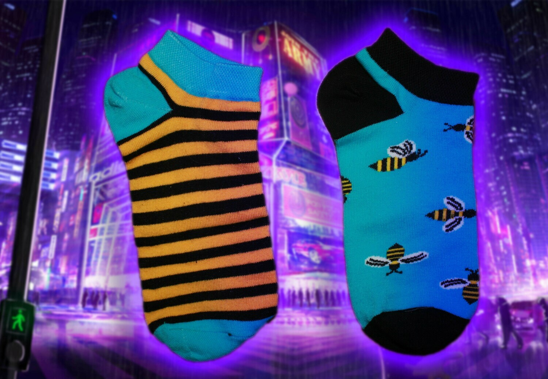 Low Socks mit Streifen und Bienen Print