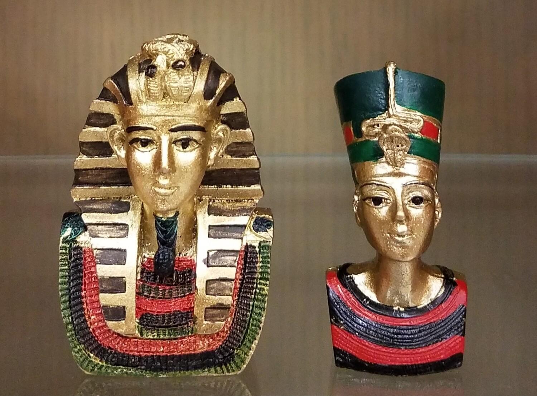 Queen Nefertiti & Pharaoh Akhenaten