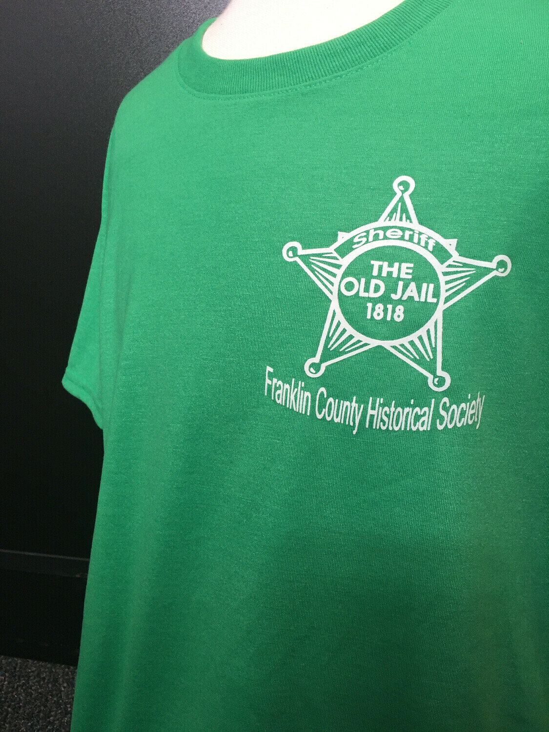 "Tee Shirt ""The Old Jail 1818"" Green (M)"