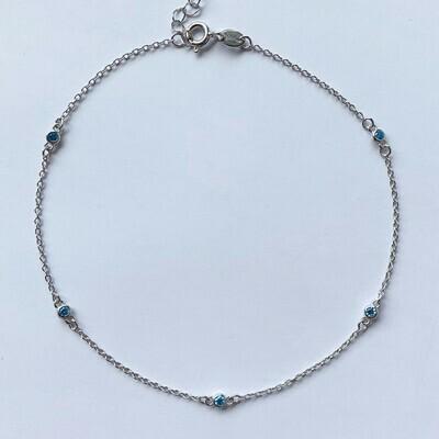 Enkelbandje met lichtblauw tiny strass steentjes 925 sterling zilver