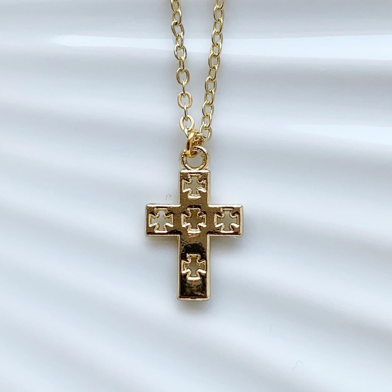 Cross with crosses ketting goud