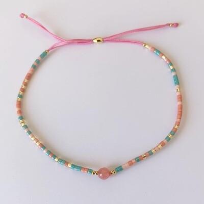 Subtiel kralen armbandje roze