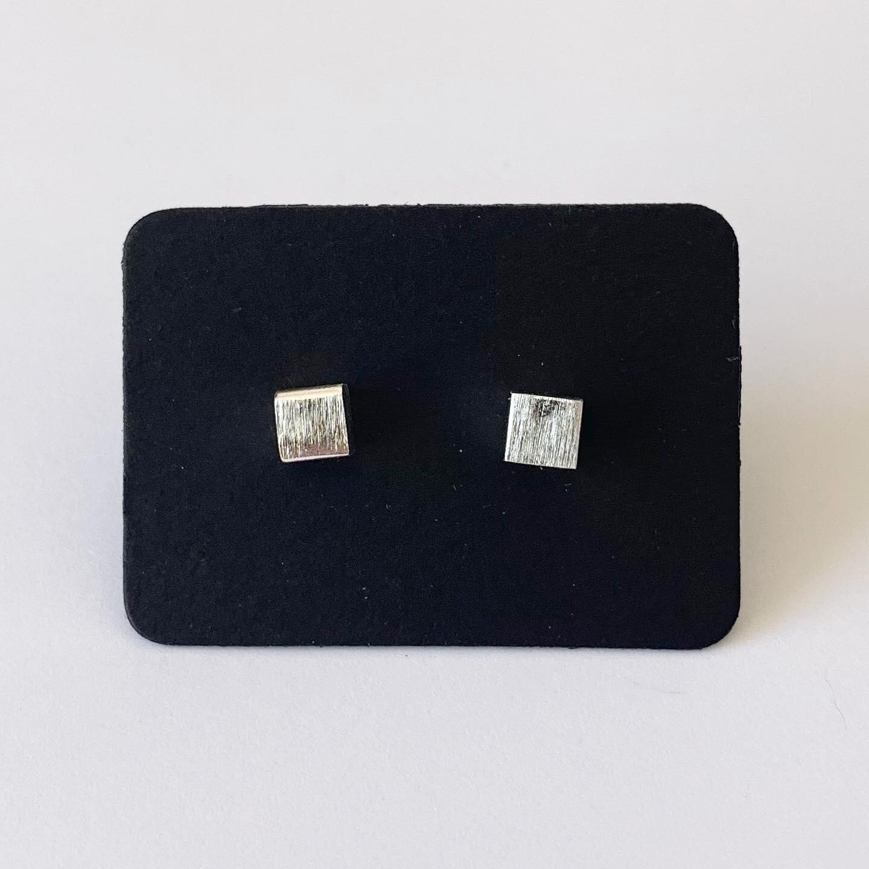 Tiny square knopjes 925 sterling zilver