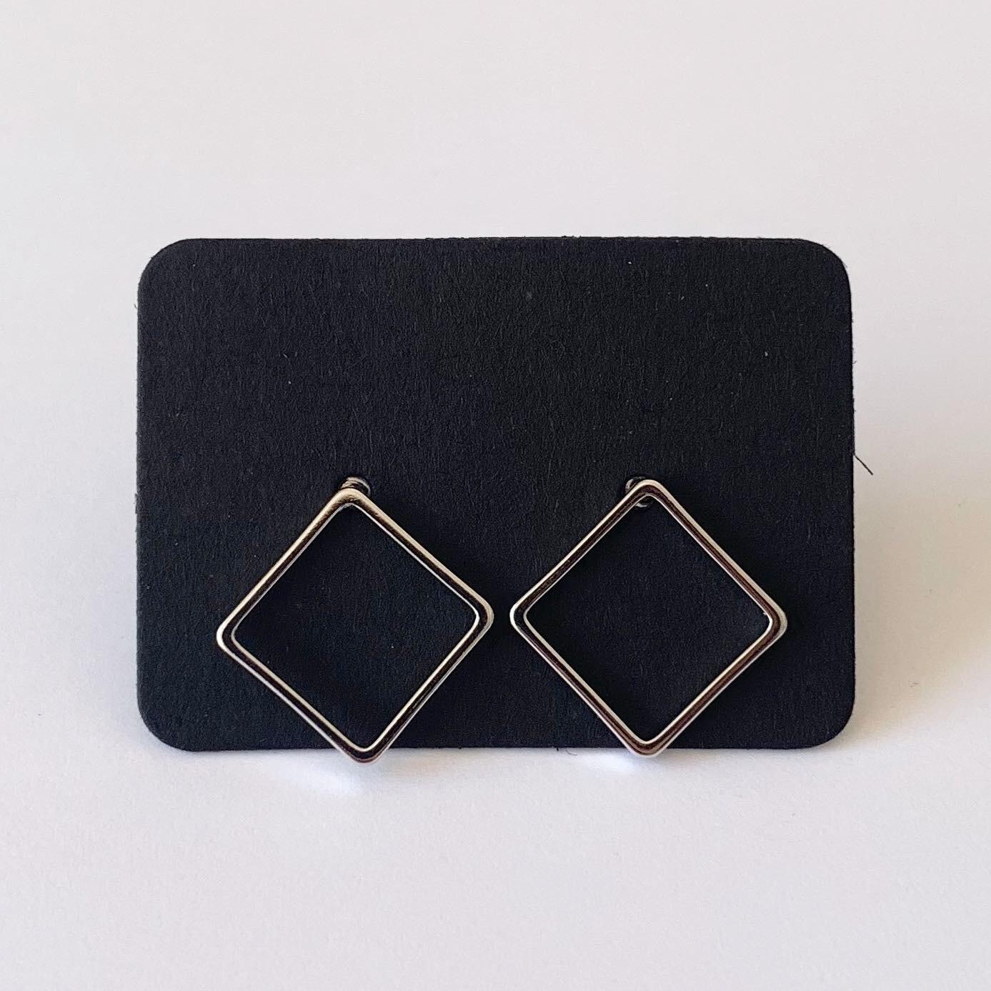 Minimalistische ruitjes knopjes 925 sterling zilver