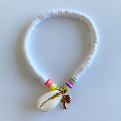 Gekleurde enkelband met schelp en palmboom wit