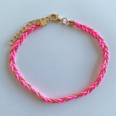 Gevlochten enkelbandje neon roze/goud